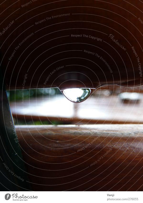 Verregneter Biergarten Holz Stil Regen Freizeit & Hobby nass schlechtes Wetter