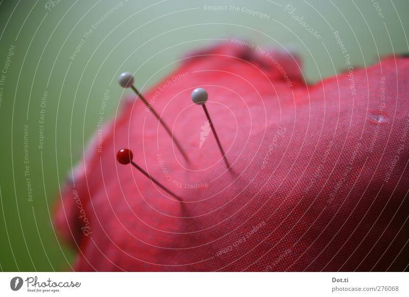 Herzstechen grün rot Liebe Gefühle Stoff Leidenschaft Schmerz Liebeskummer Nadel selbstgemacht Stecknadel Eifersucht Voodoo Nadelkissen