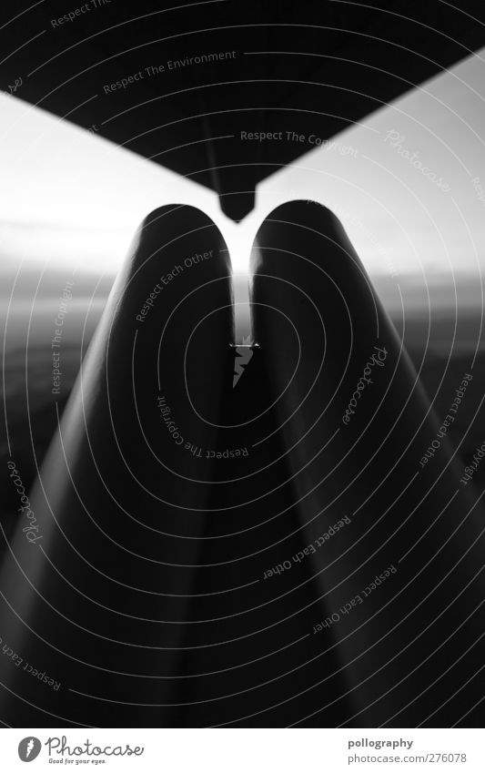 auf Beobachtungsstation Natur Landschaft Himmel Wolken Sommer Schönes Wetter beobachten Teleskop Fernglas Blick Dach Spitze warten Schwarzweißfoto Außenaufnahme