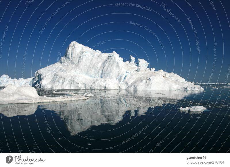 Eis im Spiegel Natur Wasser Ferne kalt Berge u. Gebirge Schnee Eis Urelemente Frost Klimawandel