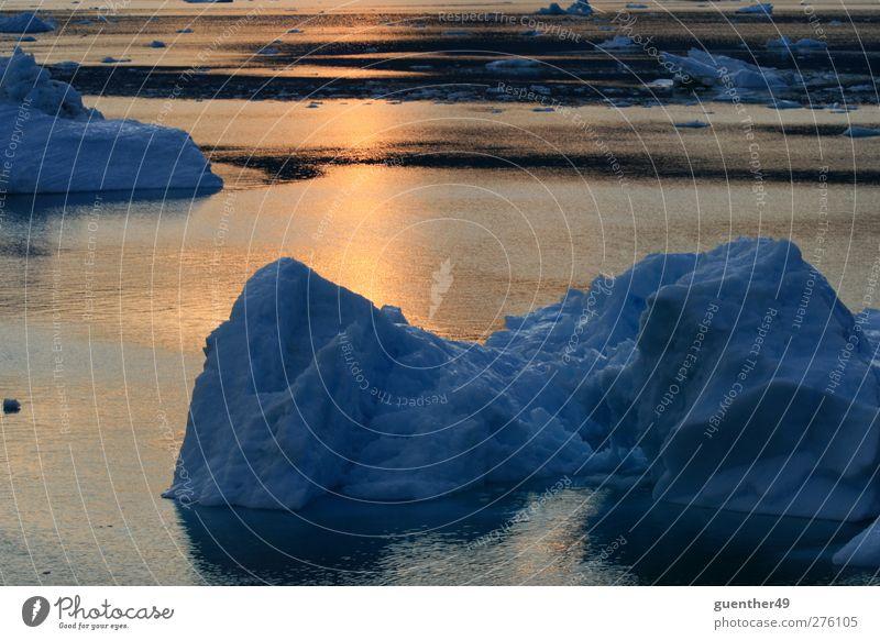 Ice in the sunshine Natur blau Wasser kalt Schnee Eis Urelemente Frost Klimawandel