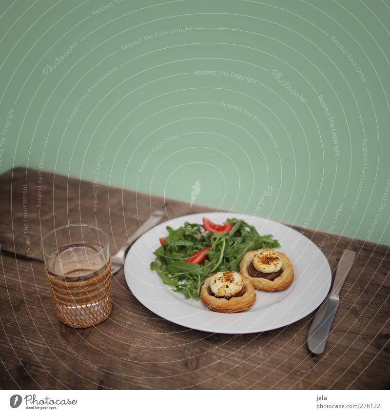 vorspeise Ernährung Lebensmittel Glas natürlich Trinkwasser Getränk Appetit & Hunger Geschirr lecker Teller Bioprodukte Abendessen Mittagessen Backwaren Käse Salat