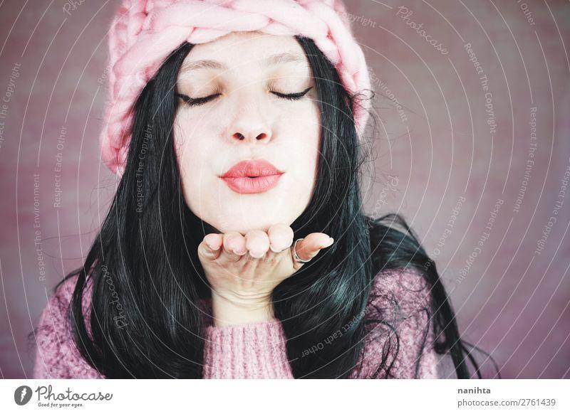 Frau Mensch Jugendliche Junge Frau schön weiß 18-30 Jahre Gesicht Erwachsene Liebe feminin Stil rosa frisch träumen elegant