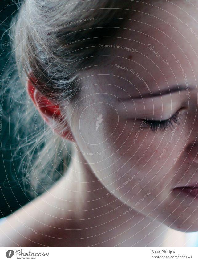 be patient Mensch Jugendliche schön ruhig Erwachsene Erholung Gesicht Auge feminin Junge Frau Haare & Frisuren Kopf träumen Zufriedenheit 18-30 Jahre natürlich