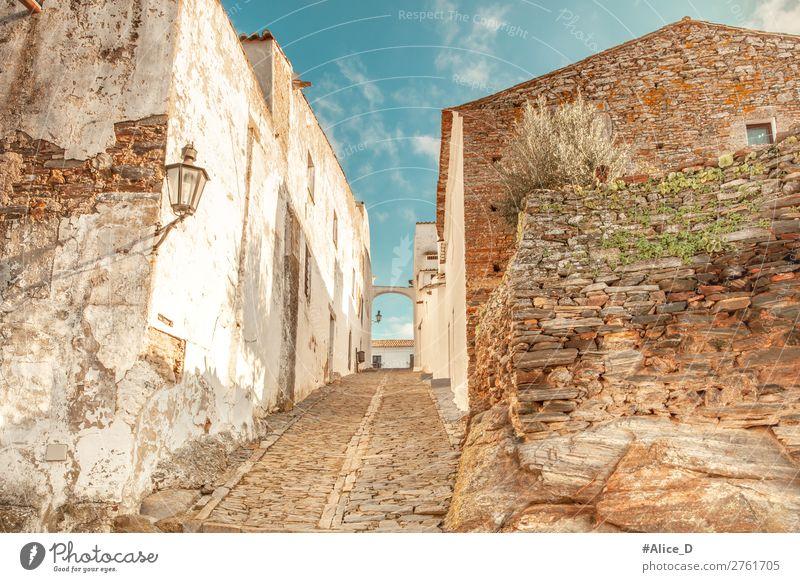 Mittelalterliches Dorf Monsaraz im Alentejo Portugal Ferien & Urlaub & Reisen Tourismus Europa Kleinstadt Altstadt Menschenleer Haus Gebäude Architektur Mauer