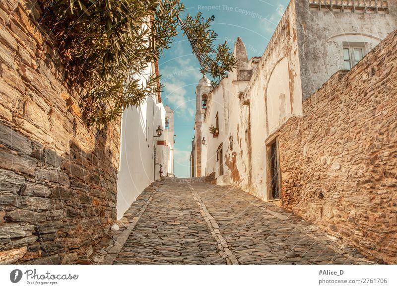 Mittelalterliches Dorf Monsaraz im Alentejo Portugal Ferien & Urlaub & Reisen Tourismus Sightseeing Europa Kleinstadt Altstadt Haus Gebäude Architektur Mauer