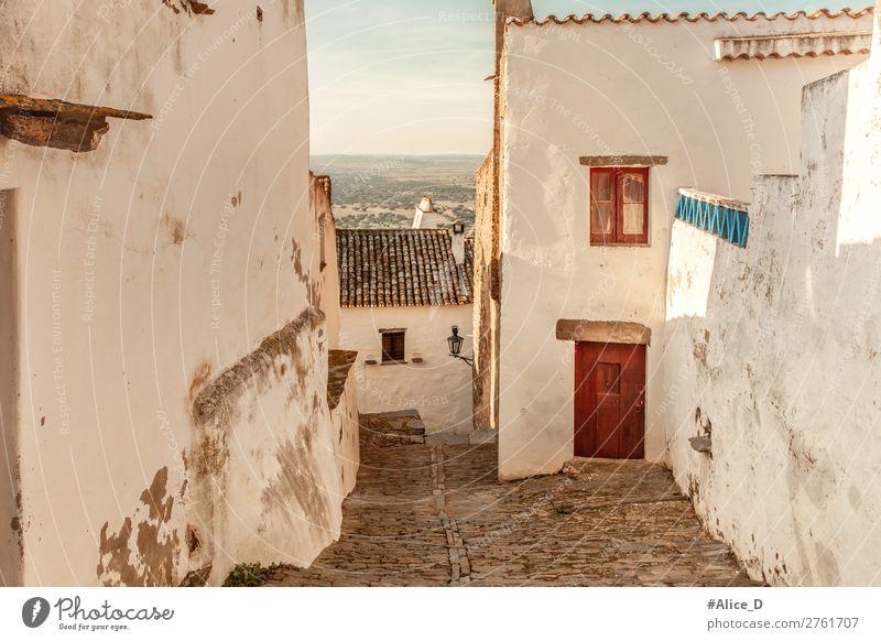 Mittelalterliches Dorf Monsaraz im Alentejo Portugal Ferien & Urlaub & Reisen Sightseeing Europa Kleinstadt Altstadt Menschenleer Haus Architektur Fassade