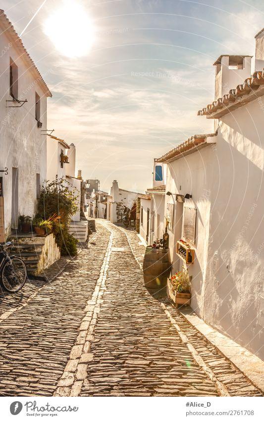 Mittelalterliches Dorf Monsaraz in Alentejo Portugal Ferien & Urlaub & Reisen Sightseeing Europa Kleinstadt Altstadt Menschenleer Haus Mauer Wand Treppe Fassade