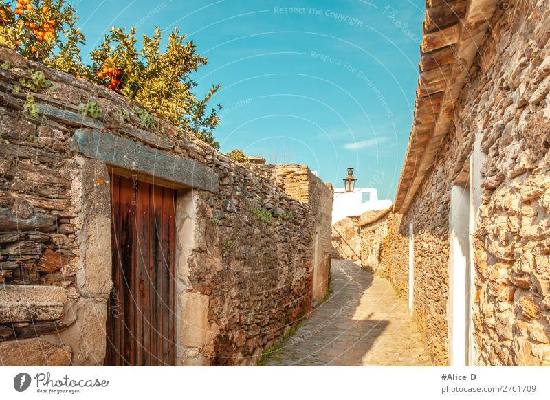 Mittelalterliches Dorf Monsaraz im Alentejo Portugal Ferien & Urlaub & Reisen Europa Kleinstadt Altstadt Menschenleer Haus Architektur Mauer Wand Tür