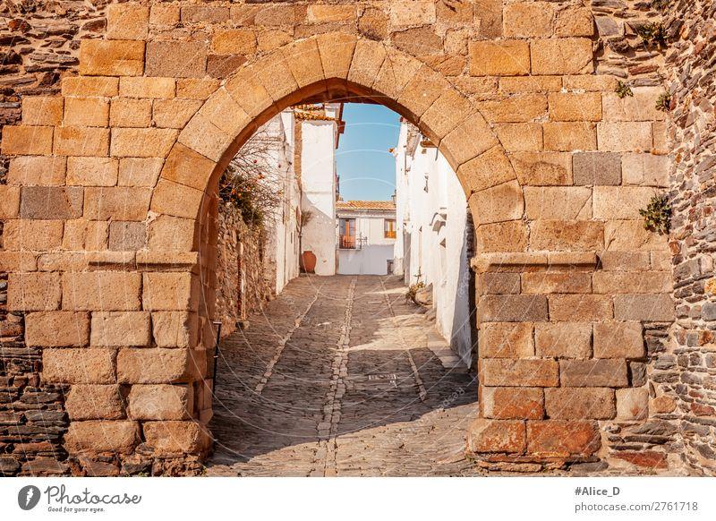 Mittelalterliches Dorf Monsaraz in Alentejo Portugal Ferien & Urlaub & Reisen Tourismus Sightseeing Städtereise Winter Architektur Europa Kleinstadt