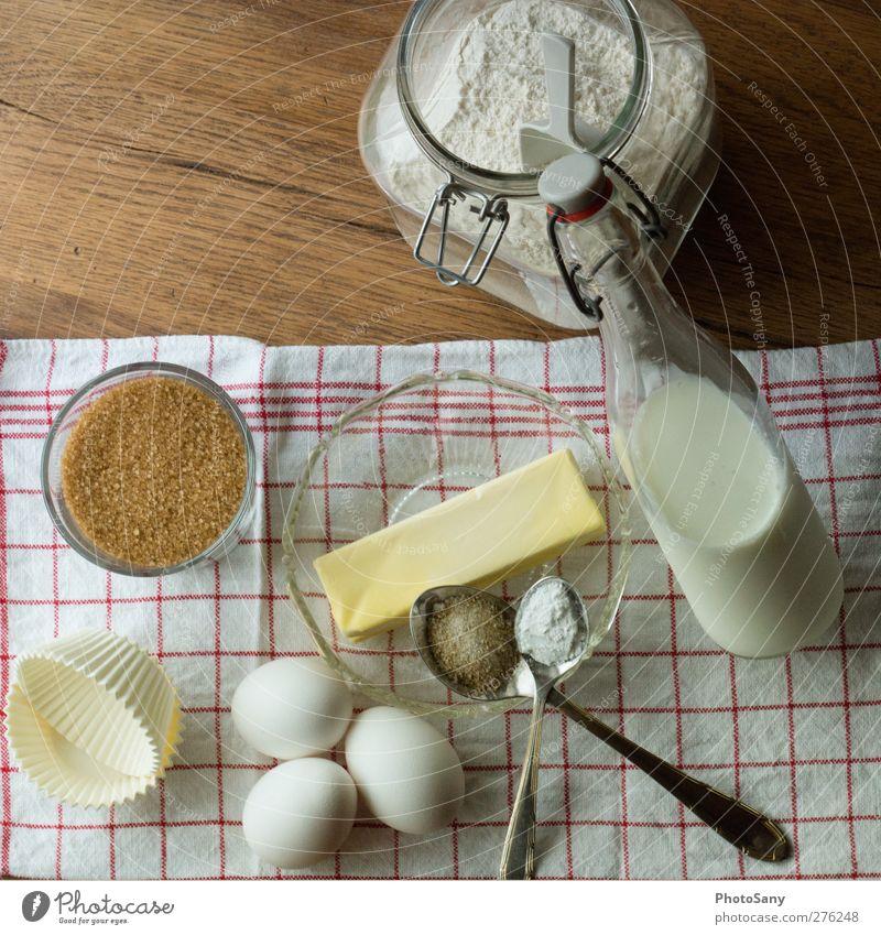 vom Ei zum Muffin Glas natürlich Lebensmittel Sauberkeit Kochen & Garen & Backen einfach fest Appetit & Hunger Flüssigkeit lecker Kuchen Flasche machen Schalen & Schüsseln Milch Löffel