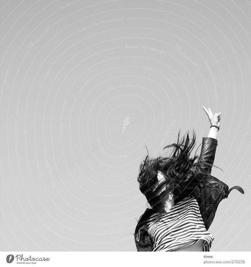 Hiddensee | leben an. und für sich. Mensch feminin Frau Erwachsene Arme Finger 1 18-30 Jahre Jugendliche T-Shirt Jacke Haare & Frisuren schwarzhaarig wild