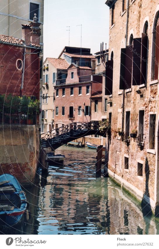 Einsame Brücke Venedig Gasse Menschenleer Haus Europa Abwasserkanal