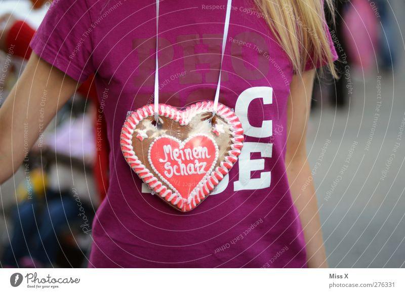 PHOTOCASE 2000 + Geburtstag Mensch Frau Erwachsene Liebe feminin Lebensmittel blond Herz süß Süßwaren lecker Kuchen Jahrmarkt Verliebtheit langhaarig Backwaren