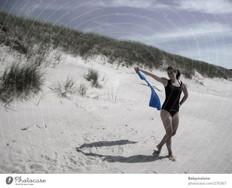 Lebensfreude Freude Wohlgefühl Zufriedenheit Erholung Ferien & Urlaub & Reisen Freiheit Sommer Sommerurlaub Strand Meer Mensch feminin Junge Frau Jugendliche 1