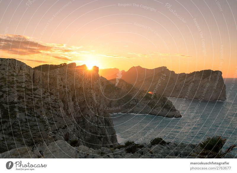 Sonnenuntergang auf Mallorca Ferien & Urlaub & Reisen Wasser Landschaft Meer Ferne Berge u. Gebirge Umwelt Tourismus Freiheit Stein Felsen Ausflug