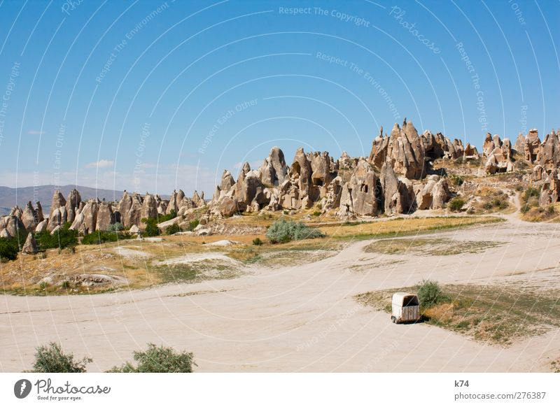 Kapadokya Himmel Natur blau Sommer Landschaft Umwelt Berge u. Gebirge Sand Stein Felsen Erde außergewöhnlich Schönes Wetter einzigartig Hügel heiß