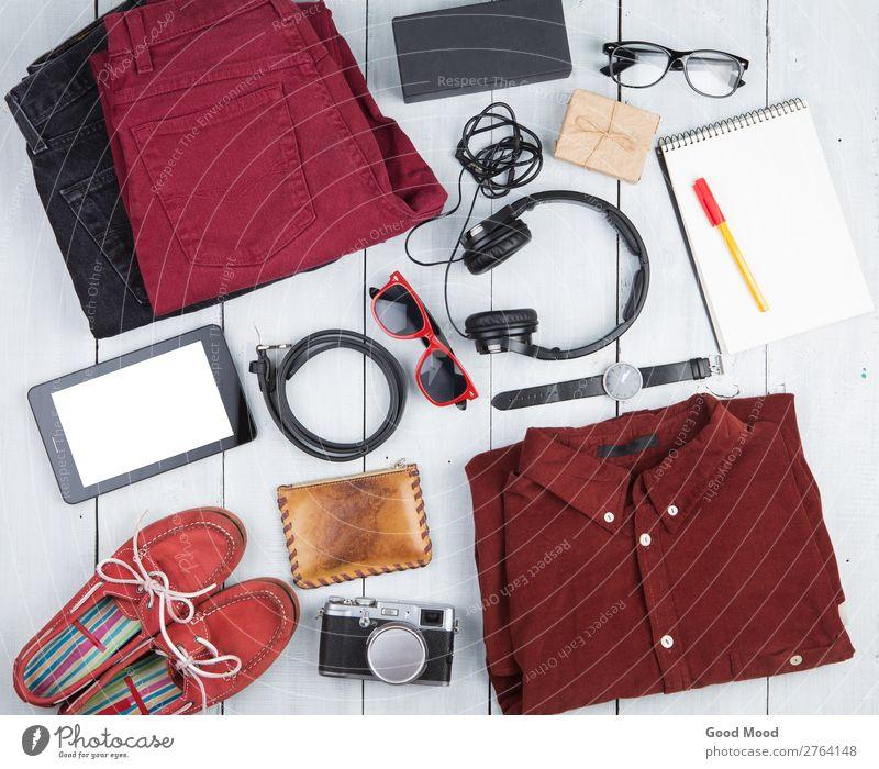 Ferien & Urlaub & Reisen alt weiß rot Holz Textfreiraum Ausflug retro Aussicht Tisch Schuhe Computer Geschenk Bekleidung Papier beobachten