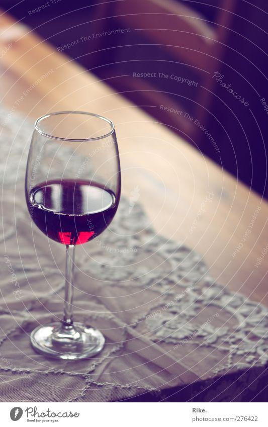 In vino veritas. Getränk trinken Alkohol Wein Glas Lifestyle Reichtum elegant Erholung Wohnung Dekoration & Verzierung Tisch Restaurant ausgehen Tischwäsche