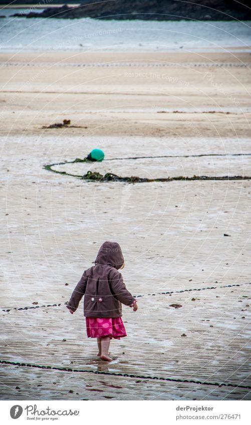 Kein Schwimmwetter Mensch Kind Natur Wasser Ferien & Urlaub & Reisen Meer Mädchen feminin Wärme Spielen Berlin Küste lustig Kindheit Tourismus Ausflug