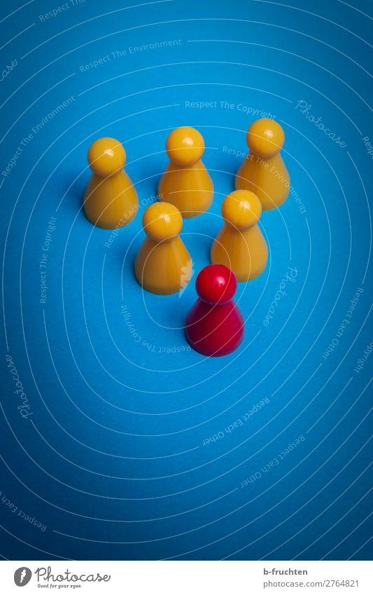 Alphatier blau rot gelb Business außergewöhnlich mehrere Erfolg Zeichen Macht Team Netzwerk Kunststoff wählen Spielzeug Vertrauen Sitzung