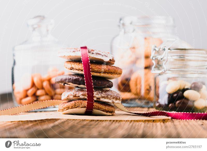 Lebkuchenkekse, Süßigkeiten, Süßigkeiten in Gläsern auf Holztisch Dessert Ernährung Essen Diät Lifestyle Tisch genießen lecker braun backen Bäckerei Biskuit