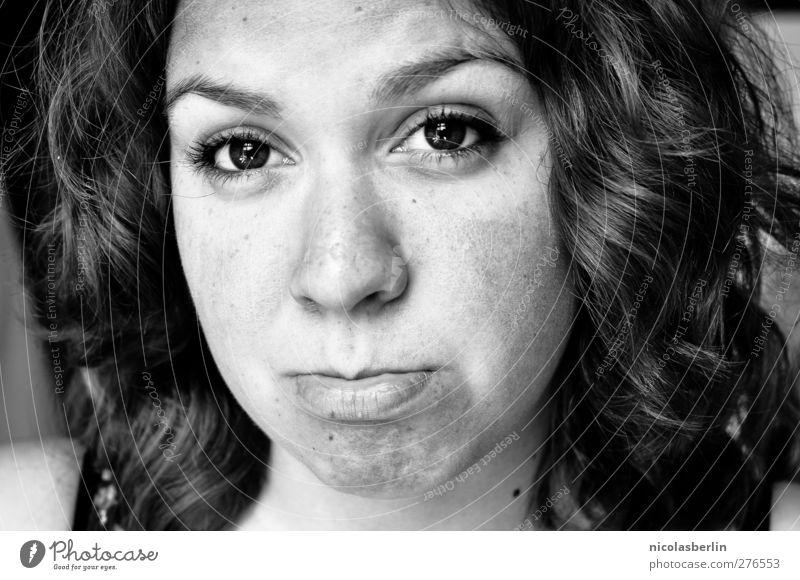 Montags Portrait 29 - sad songs Mensch Frau Jugendliche schön Erwachsene Gesicht Auge feminin Junge Frau Haare & Frisuren Traurigkeit 18-30 Jahre natürlich Haut