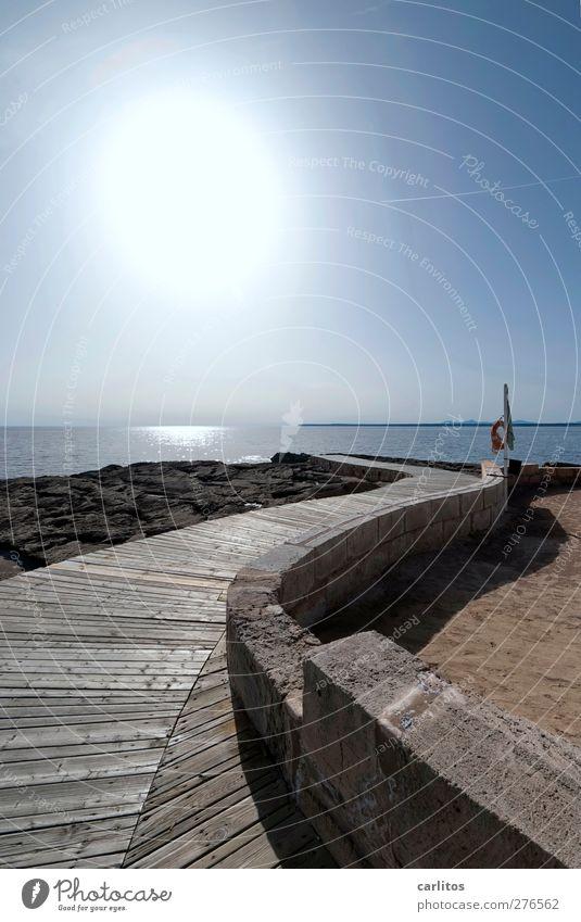 Auf dem Holzweg Luft Wasser Himmel Sonne Sommer Schönes Wetter Wärme Küste Meer Mittelmeer Hafenstadt Mauer Wand Wege & Pfade leuchten ästhetisch geschwungen