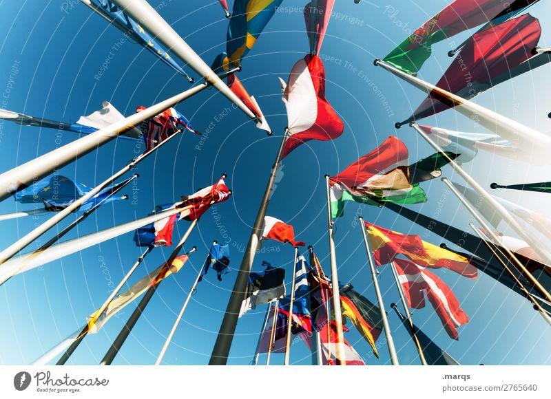 Europäische Flaggen Wolkenloser Himmel Zeichen Fahne Perspektive Politik & Staat Europa Wahlen Deutschland Spanien Dänemark Portugal Österreich Bündnis