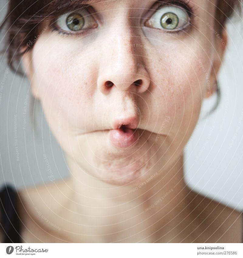 tja...also...ähm Freude schön feminin Junge Frau Jugendliche Erwachsene Gesicht Auge Mund 1 Mensch 18-30 Jahre Blick außergewöhnlich frech Fröhlichkeit lustig