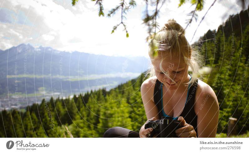 Gefällt mir! Mensch Frau Natur Jugendliche Ferien & Urlaub & Reisen Sommer Erwachsene Wald Erholung Landschaft Ferne Umwelt feminin Berge u. Gebirge Leben Junge Frau