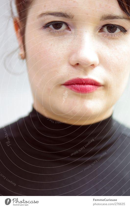 Portrait. Mensch Frau Jugendliche schön rot schwarz Erwachsene feminin Junge Frau Stil 18-30 Jahre natürlich elegant ästhetisch Lächeln stark
