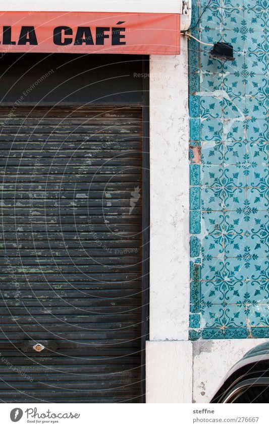 die gaffee is gössliesch! Stadt Wand Mauer Fassade ästhetisch Kaffee Café Altstadt Lissabon