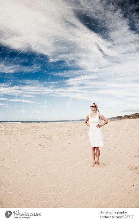 Endless Summer Mensch Jugendliche Ferien & Urlaub & Reisen schön Sommer Meer Strand Einsamkeit Wolken ruhig Erwachsene Erholung Ferne feminin Junge Frau Küste