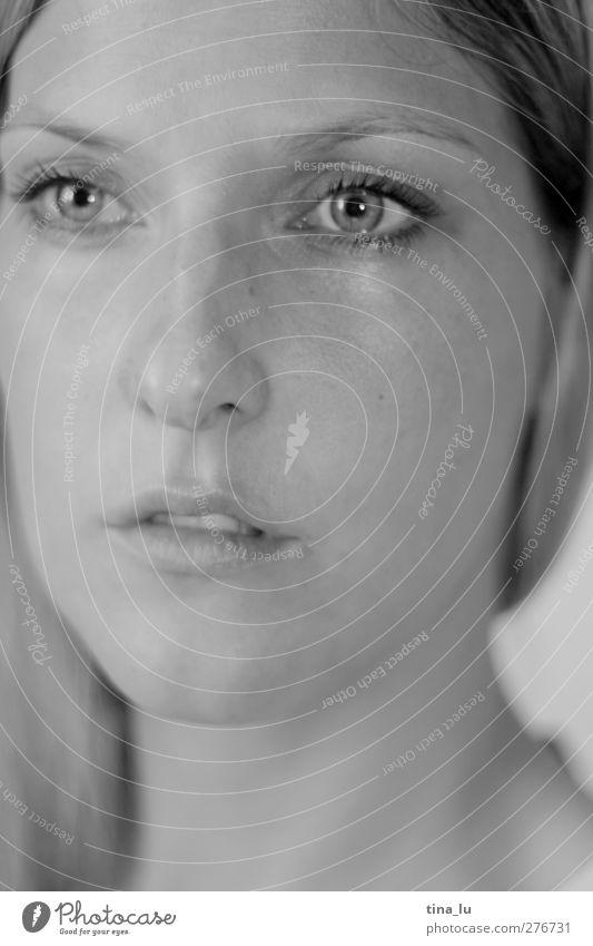 i know it´s a wonderful world... feminin Junge Frau Jugendliche Erwachsene Gesicht Auge 1 Mensch 18-30 Jahre Denken Liebe Traurigkeit Ferne schön Gefühle ruhig