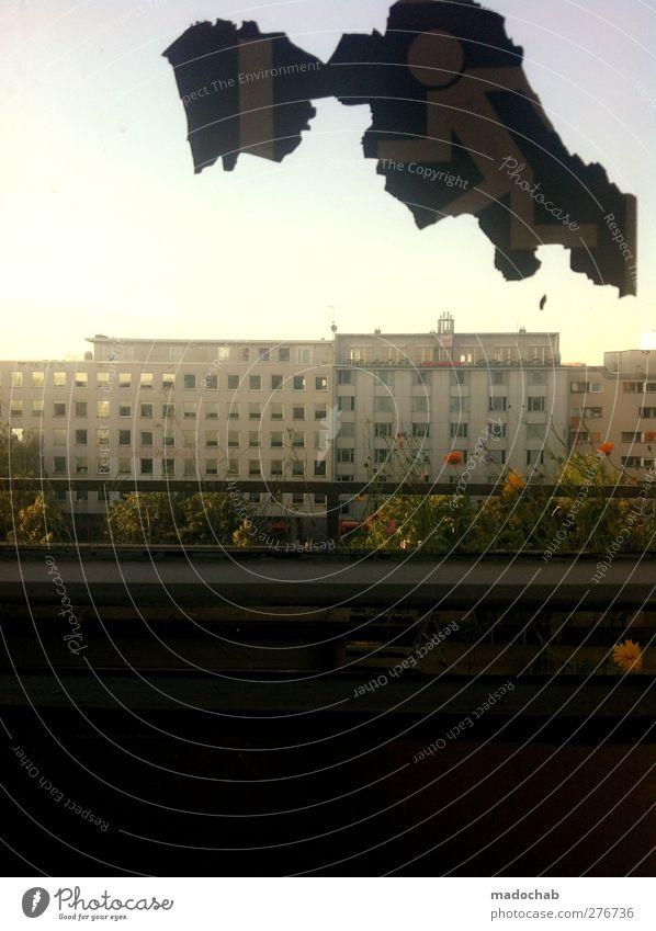 insideout Ferien & Urlaub & Reisen Stadt Sommer Blume Haus Fenster Traurigkeit Fassade Schilder & Markierungen Energie Hochhaus Dach Zeichen Skyline Balkon