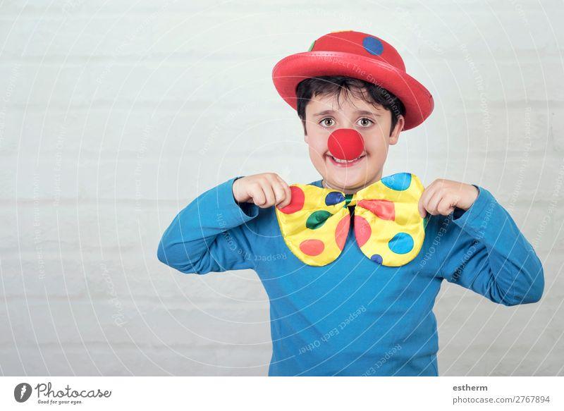 Kind mit Clownsnase und Hut Lifestyle Freude Feste & Feiern Karneval Jahrmarkt Geburtstag Mensch maskulin Junge Kindheit 1 8-13 Jahre Theater Zirkus Lächeln