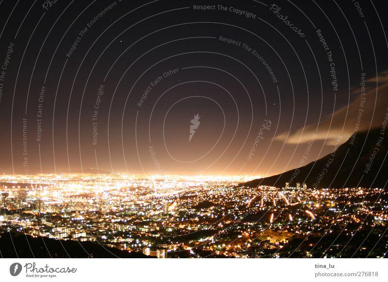 [1oo]o Lichter von Kapstadt / Nachtrag zu cape town nights Stadt Wolken Landschaft Ferne Straße Berge u. Gebirge Stern leuchten Laterne Afrika Stadtzentrum