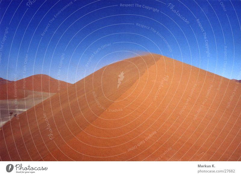 Düne 45 Namibia heiß trocken Physik Einsamkeit rot ruhig München Wüste Wärme Durst Sand karg