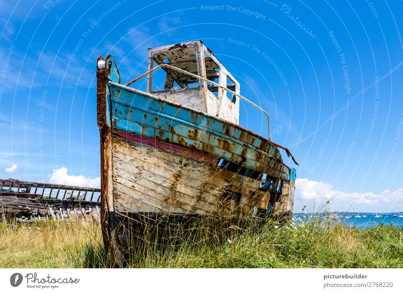 Auf dem Trockenen Ferien & Urlaub & Reisen alt Sommer blau grün weiß Meer Einsamkeit Holz Senior Küste Metall Technik & Technologie warten Vergänglichkeit