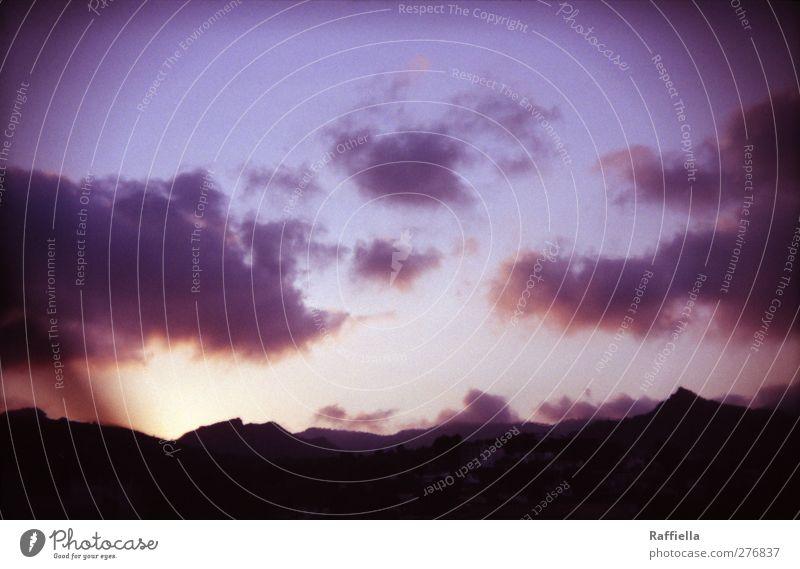 Benicàssim, Sonnenuntergang Umwelt Natur Luft Himmel Wolken Sonnenaufgang Schönes Wetter Hügel Felsen Berge u. Gebirge dunkel blau violett Bergkette Bergkuppe