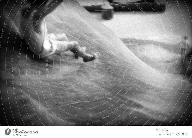 Valencia, Parque Gulliver Mensch Jugendliche Freude Erwachsene Sand Junger Mann Park Körper 18-30 Jahre Schuhe sitzen Geschwindigkeit Fröhlichkeit