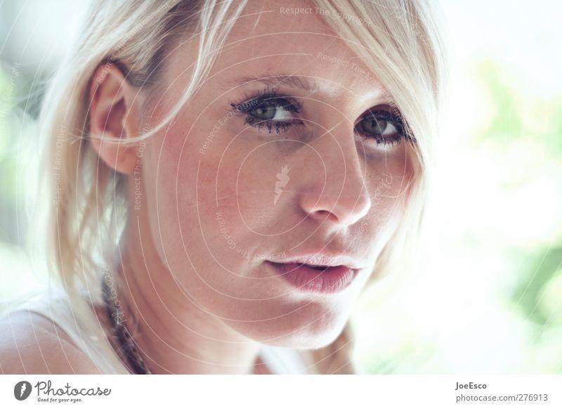 #231502 Sommer Frau Erwachsene Gesicht 18-30 Jahre Jugendliche blond beobachten Kommunizieren Blick authentisch Freundlichkeit trendy natürlich positiv