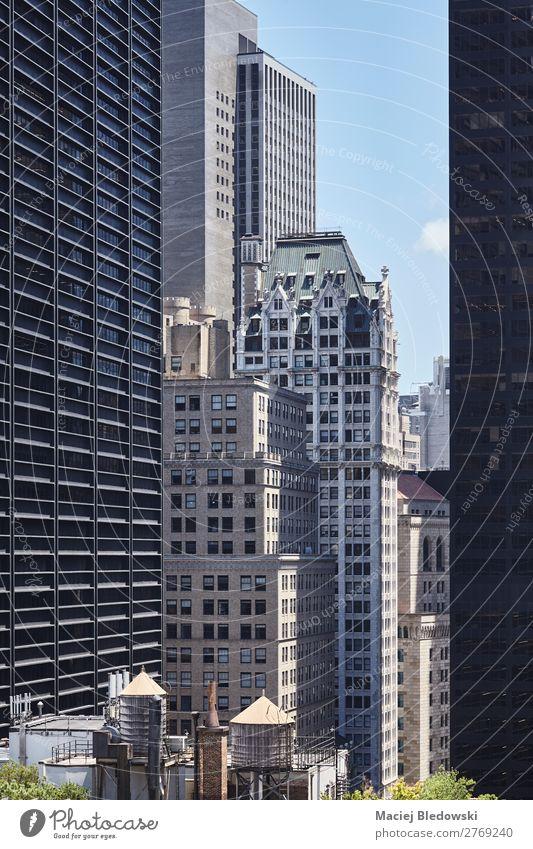 Wassertanks auf einem Dach, New York, USA. Lifestyle Reichtum elegant Stil Design Häusliches Leben Wohnung Büro Stadt überbevölkert Hochhaus Gebäude Architektur