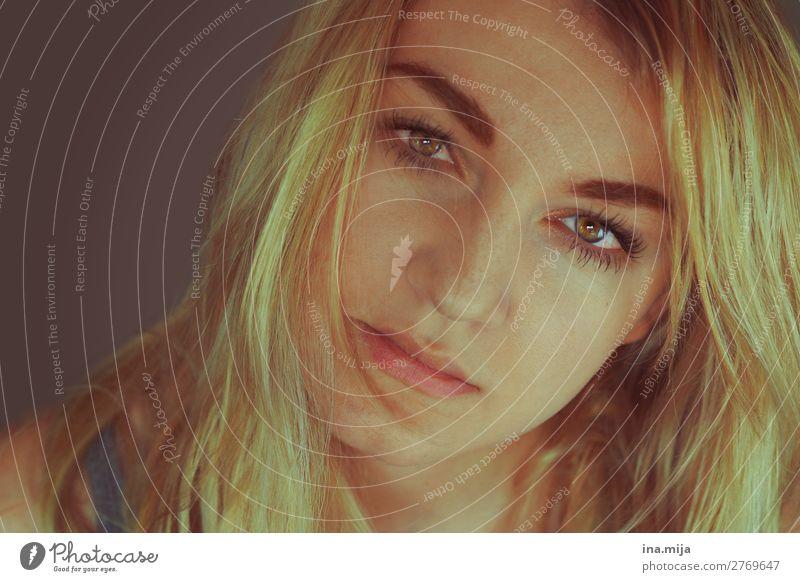 _ schön lernen Student Mensch feminin Junge Frau Jugendliche Gesicht 1 Haare & Frisuren blond langhaarig ästhetisch Coolness Freundlichkeit Gesundheit Glück