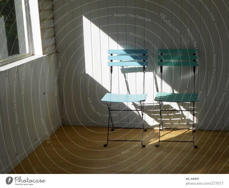 Stühle Tourismus Sommer Sonne Innenarchitektur Dekoration & Verzierung Möbel Stuhl Raum Feierabend Schönes Wetter Hütte Häusliches Leben natürlich blau braun