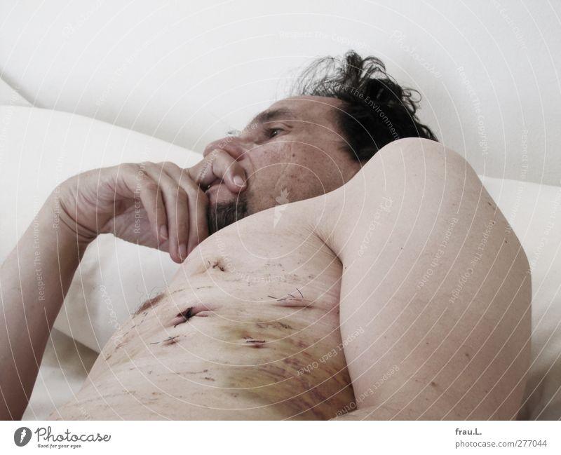 Chirurgie Mensch Mann nackt Erwachsene Leben Gesundheit Gesundheitswesen liegen maskulin 45-60 Jahre Bett Männlicher Senior Krankheit Brust Wunde Krankenpflege