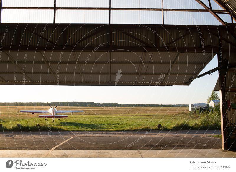 Hangar-Landschaft Luftverkehr Ferien & Urlaub & Reisen Freiheit Verkehr Abenteuer Ausflugsziel