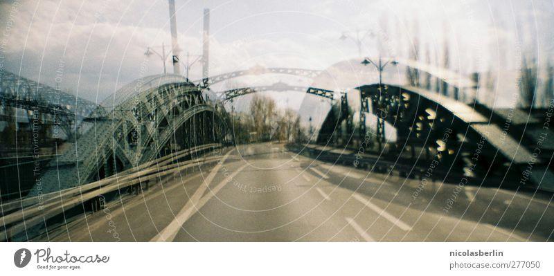Bridge, please! Stadt Wolken Straße Berlin Verkehr Beton verrückt Brücke Bauwerk unten Verkehrswege Doppelbelichtung Surrealismus Irritation Wegkreuzung