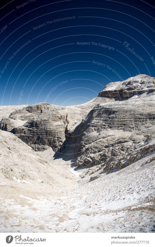 Piz Boè Ferien & Urlaub & Reisen Sommer Landschaft Ferne Berge u. Gebirge Felsen wandern Tourismus Ausflug Abenteuer Urelemente Schönes Wetter bedrohlich Alpen